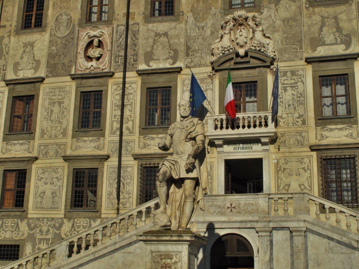 pisa tour classico - piazza dei cavalieri