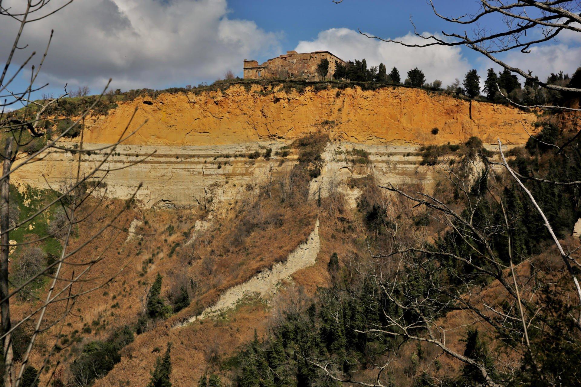Volterra e dintorni - Trekking urbano - balze