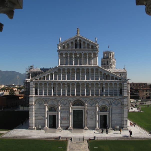 torre di Pisa per bambini - Cattedrale vista dal battistero