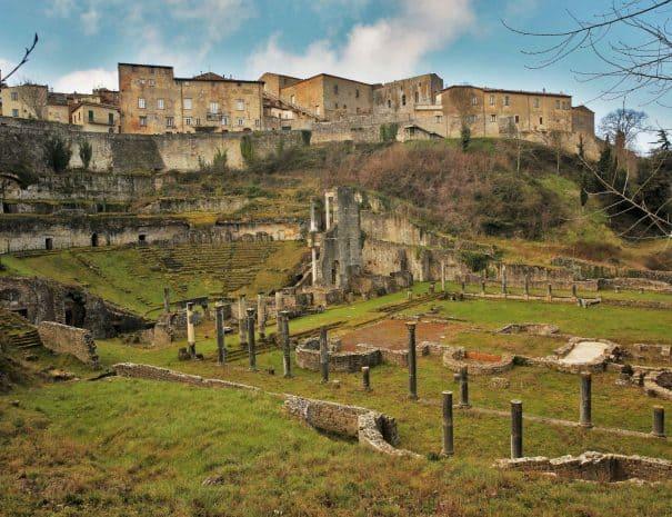 ekiros-volterra-etrusca-treatro-romano