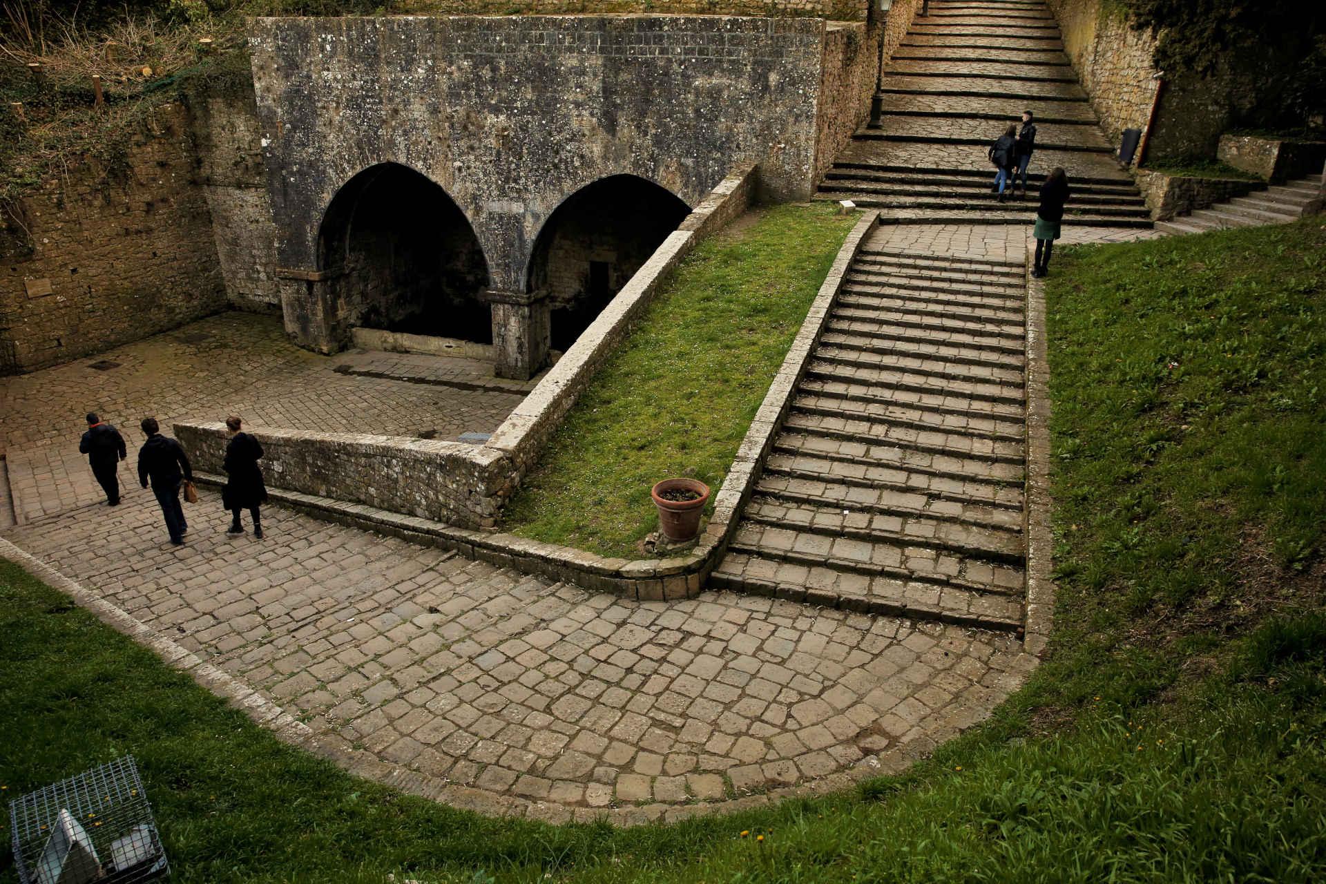 trekking-urbano-volterra-e-dintorni-fonti-medievali