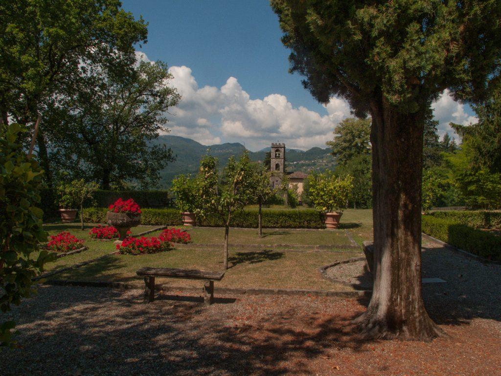 giardino di Casa Pascoli a Castelvecchio