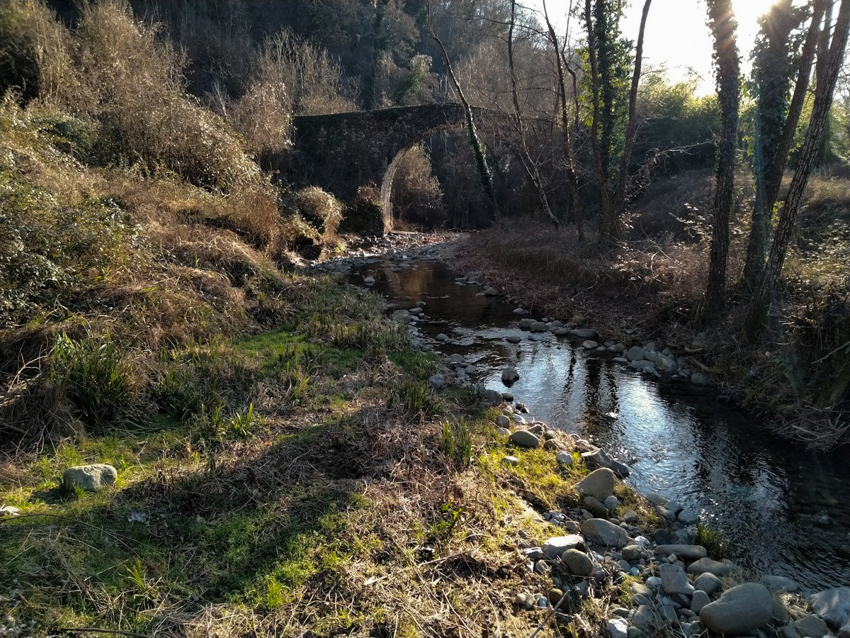 Barga - Ponte medievale sulla Via del Volto Santo