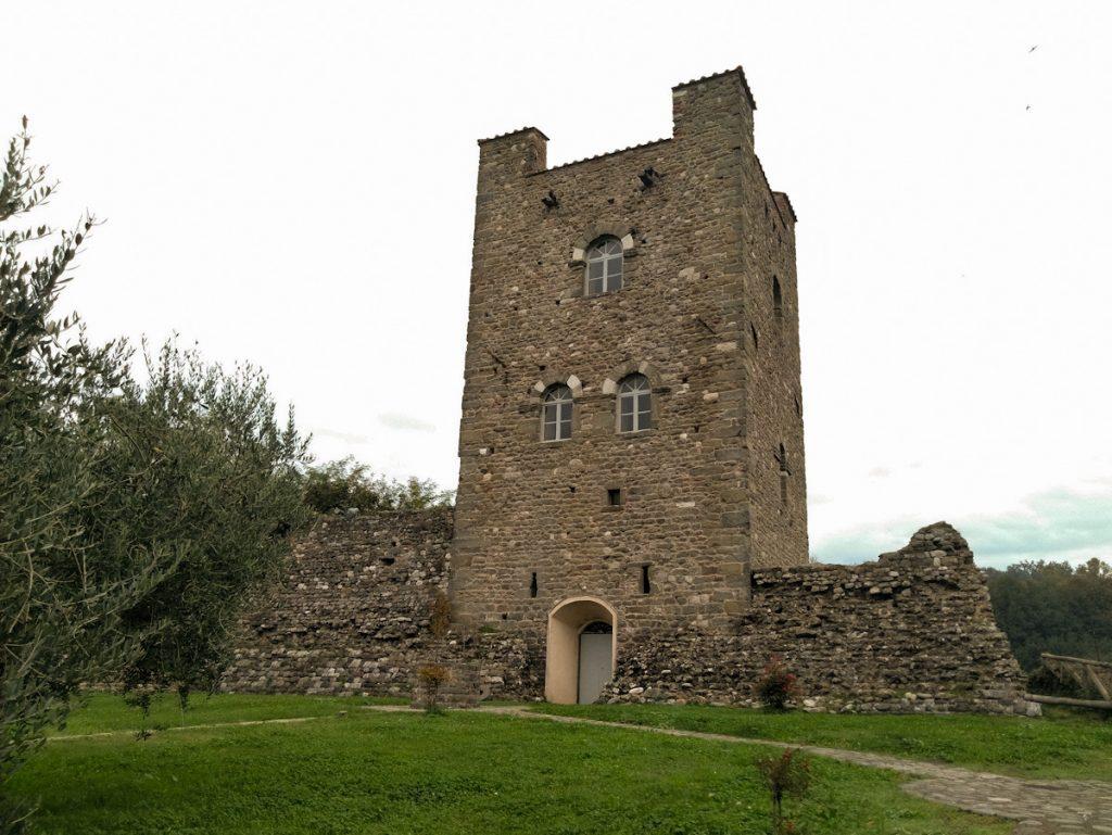 Ghivizzano - torre di Castruccio Castracani