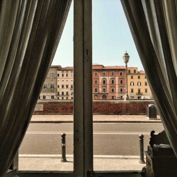 pisa romantica - vista sui lungarni dal royal victoria hotel